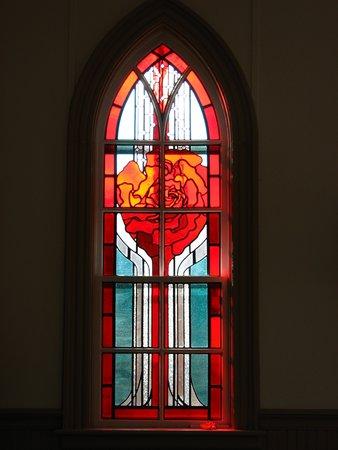 Seguin Pioneer United Church - Rose memorial window